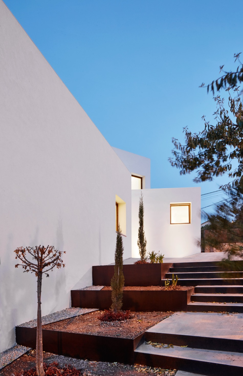 mm-house-oliver-hernaiz-architecture-lab-palma-de-mallorca-spain_dezeen_2364_col_3
