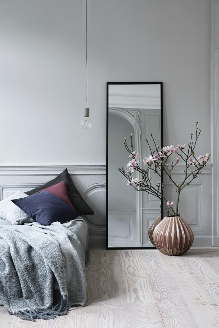 Slim-mirror