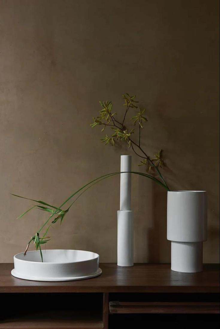 Valeria Basi - Yellow Flower Vase